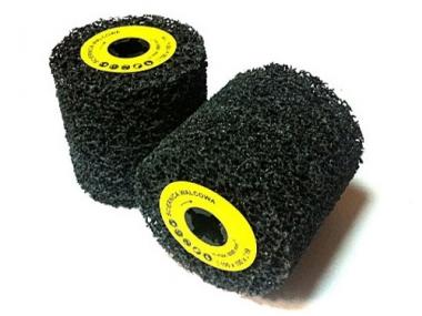 GLOB szczotka walcowa z włókniny spienionej  100/100/19mm